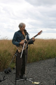 Randy Ludacer, Singing about Packaging on Fresh Kills